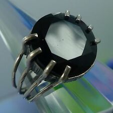 Size 5 Ring : Sterling Cut & Polished Onyx in a Spiders Grip (8 Prongs) Signed