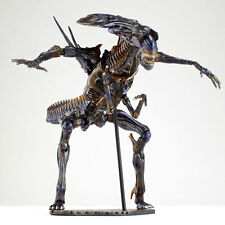 Kaiyodo Revoltech 018 Alien Queen vs Predator Action Figure Toy Doll Model Gift