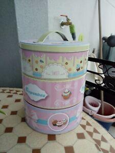 Boîte à gâteaux Neuve métal décoré