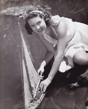 VANESSA BROWN Original CANDID Model Sailing Boat Vintage 1946 Fox Studio Photo
