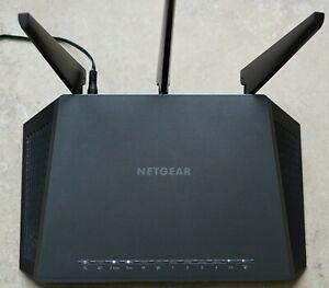 Netgear Nighthawk AC1900 R7000 smart Wi-Fi Router