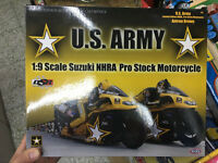 USA ARMY Racing 1/9 Scale Suzuki NHRA Pro Stock Motorcycle Yellow