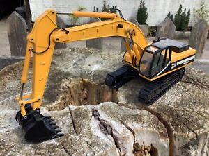 1/35 scale Joal 261 JCB JS330L crawler tracked excavator bagger digger