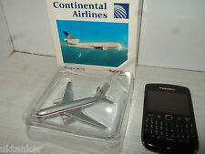 Herpa Wings 500111 Douglas DC-10 for Continental Airlines in 1:500 Scale.