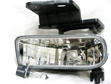 For 00-06 Suburban Tahoe 99-02 Silverado Fog Light Lamp L H Driver  Side NEW