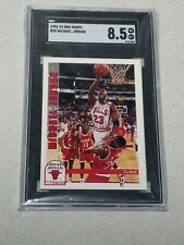 1992-93 NBA Hoops Michael Jordan Chicago Bulls  Card #30   SGC 8.5