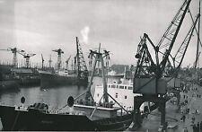 NANTES c. 1953 - Population Bateaux Cargos au Port Loire Atlantique - Div 10676