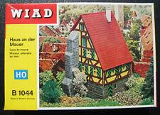 WIAD 1044 - Haus an der Mauer - Lean-to-house - H0 - Eisenbahn Modellbausatz Kit