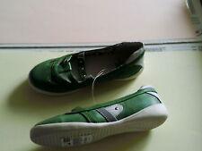 CHAUSSURES - Vert et blanc - pointure 33