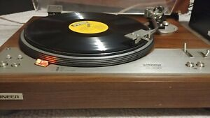 Pioneer Direct Drive Stereo Turntable With Dust Cover Model PL-530, working