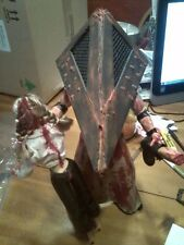 "SILENT HILL RED PYRAMID HEAD FIGURE STATUE 14"" STRANGLING GIRL ZOMBIE PROP"