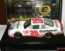 2001 Kevin Harvick #29 Oreo Chevrolet Goodwrench Rookie Elite Diecast Car