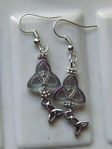 CRYSTAL AB TRIQUETRA GLASS EARRINGS