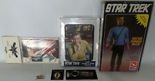 STAR TREK THE ORIGINAL SERIES : PINS, KEY RINGS, MODEL KIT, GIFT PACK (TK)