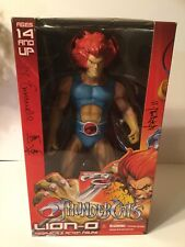 ThunderCats Signed *** Mega Scale Lion-O Mezco Action Figure Sdcc 2011