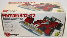 Modellini statici di auto da corsa rossa Burago scala 1:4