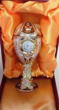 wunderschöne Spieluhr im Stil eines Faberge Ei mit echter Uhr, Krone, golden NEU