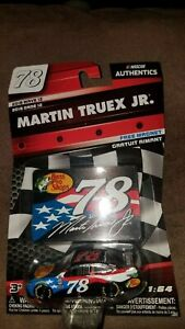 Martin Truex jr 2018 NASCAR Authentics Bass Pro Patriotic 1:64 diecast