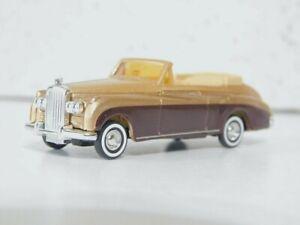 Busch 44450  1/87 Bently Cabrio Metallic Gold & Maroon  NIB