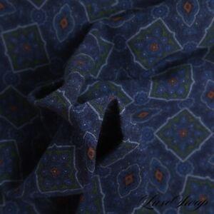 NWOT Made in Italy 100% Wool Murky Indigo Green Medallion Mosaic Pocket Square