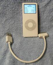 Apple iPod Nano 1st Generation White A1137 1Gb 227 Songs