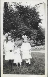 WHEN THEY WERE KIDS Found ANTIQUE PHOTOGRAPH bw CHILDREN Vintage JD 19 34 D