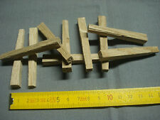 20 chevilles carrées bois 8 mm en chêne  meuble chevillé