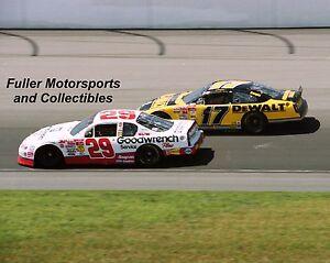 ROOKIE KEVIN HARVICK WINS FIRST CHICAGO RACE MATT KENSETH 2001 8X10 PHOTO NASCAR