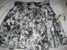 Beautiful H&M skirt size 8, with peticoat, new with tags, silver-grey