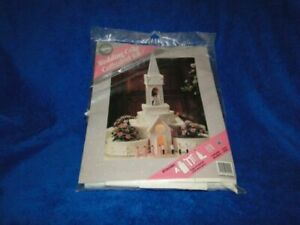 NEW DISCONTINUED WILTON CATHEDRAL CAKE KIT 2104-2940