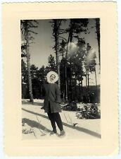 PHOTO ANCIENNE - FEMME NEIGE CURIOSITÉ - WOMAN MOUNTAIN FUNNY - Vintage Snapshot