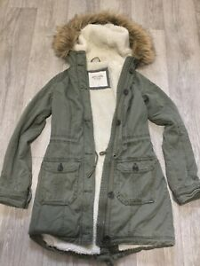 Abercrombie and Fitch Sherpa Lined, faux fur collar Khaki Parka XS