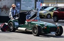 PHOTO  OBAN A LOTUS 7 IS UNLOADED IN THE NORTH PIER CAR PARK.