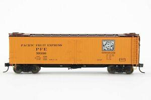 HO Intermountain Pacific Fruit Express / Western Pacific Wood Refrigerator Car