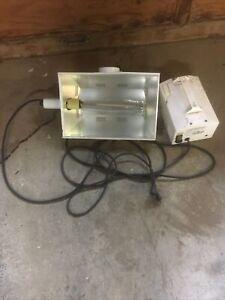 1000 watt hps bulb Hydrofarm Grow Light 120v 9.5 Amps Ventable Hood Luminaire