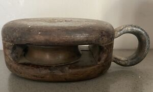 VINTAGE MB WOOD AND METAL MARITIME SHIP PULLEY
