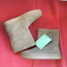 Crocs Lodgepoint Suede Boots Size uk 7. BNWT