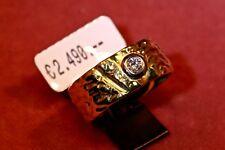 ring 750 gelbgold, Handarbeit, 1 Brillant 0.16ct. TW/VVSI, Weite 62, Struktur.