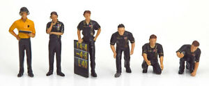 Truescale TSM12AC09 Pit Crew Figurines Team Lotus F1 'JPS' (Set Of 6) 1/43 Scale
