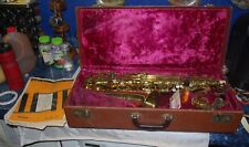 1955 VINTAGE 566 COLLEGIATE ALTO SAXOPHONE BY HOLTON ELKHORN WI USA WITH CASE