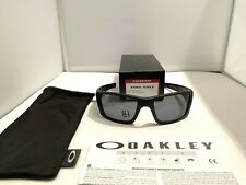 New Oakley Fuel Cell Sunglasses OO9096-05 Matte Black Grey Polarized Lens
