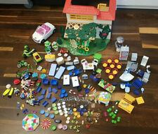 PLAYMOBIL, Ferientraumhaus, Haus mit viel Zubehör, Figuren und einem Auto