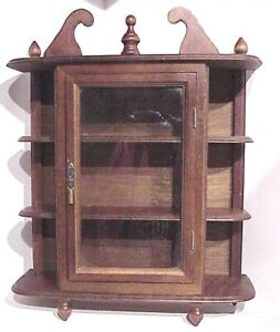 """VINTAGE 17"""" WOODEN (3) SHELF GLASS DOOR KNICK KNACK WALL HANGING DISPLAY CASE"""