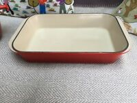 Le Creuset Cast Iron Roasting Dish (red)