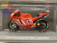 ☆ Casey Stoner # 27 • Moto GP 2007 • Ducati Desmosedici GP7 - (1/18)  Nueva