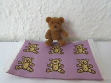 Dollshouse Miniatur Teppich + Teddybär rosa Kinderzimmer Puppenstube 1:12 Neu
