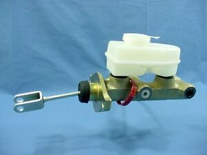NEW Bendix 11824 Brake Master Cylinder for 78 79 80 Fiesta Manual Brakes Only