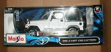 1/18 Scale Jeep Wrangler Sahara Diecast Model - White 4x4 Maisto 31662 31662w