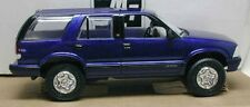 7031 AMT Ertl Dealer Promo Car 1995 Chevrolet Blazer - Blue - 1/25 scale