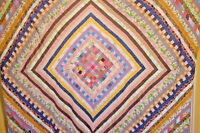 ANTIQUE QUILT TOP FABULOUS SUN AND SHADOW TOPPER HAND PIECED